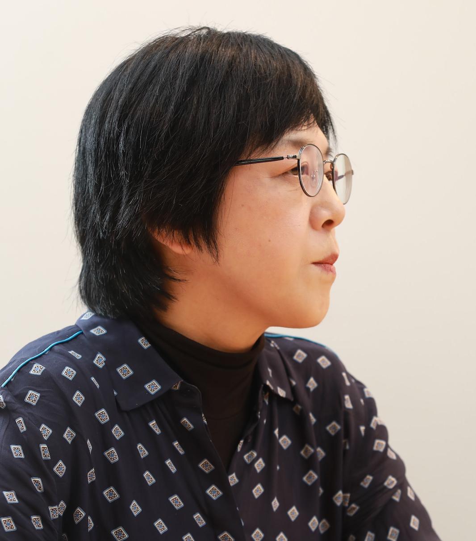 だて・なつめ 演劇ジャーナリスト。演劇、ダンス、ミュージカル、古典芸能など、国内外のあらゆるパフォーミングアーツを取材し、『InRed』『CREA』などの一般誌や、『TJAPAN』などのwebメディアに寄稿。東京芸術劇場企画運営委員、文化庁芸術祭審査委員(2017〜2019)など歴任。